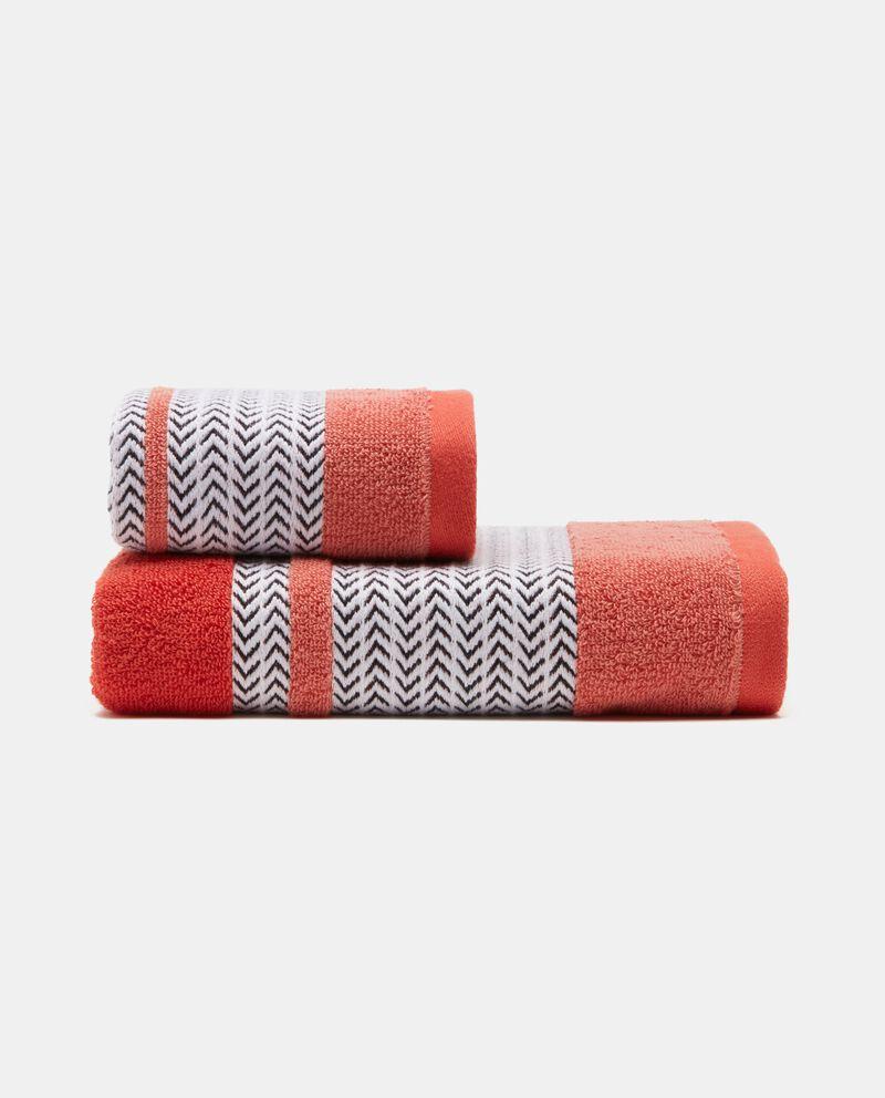 Asciugamano con decoro spinato